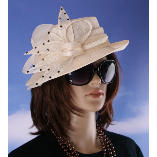 Beige kleur Koninklijke hoed voor dames