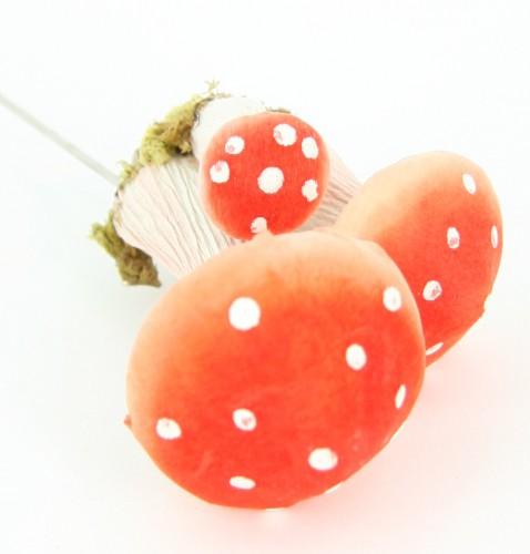 Drie kleuren paddenstoelenset op draad