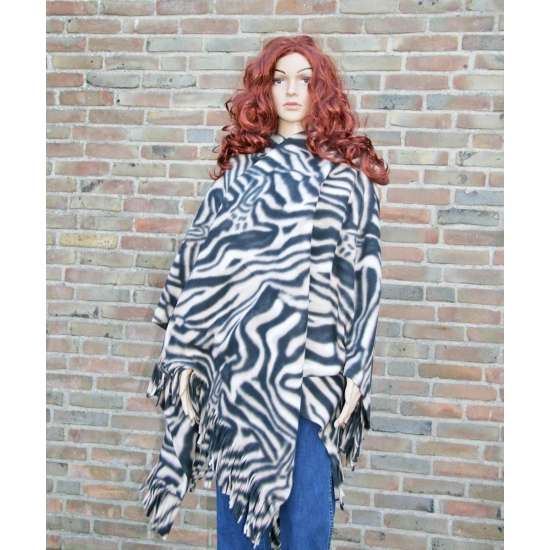 Fleece poncho zebra print