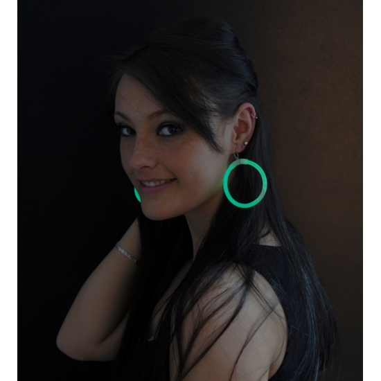 Glow oorbellen groen 2 stuks