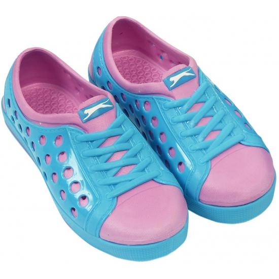 Kinder waterschoen van het merk Slazenger in blauw/roze