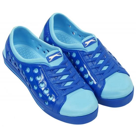 Kinder waterschoen van het merk slazenger in kobalt/lichtblauw