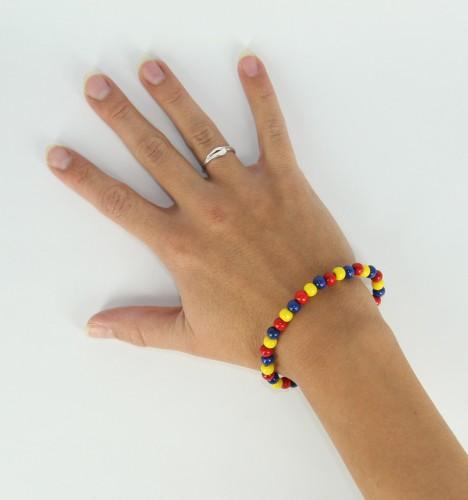 Kralen armband geel blauw rood