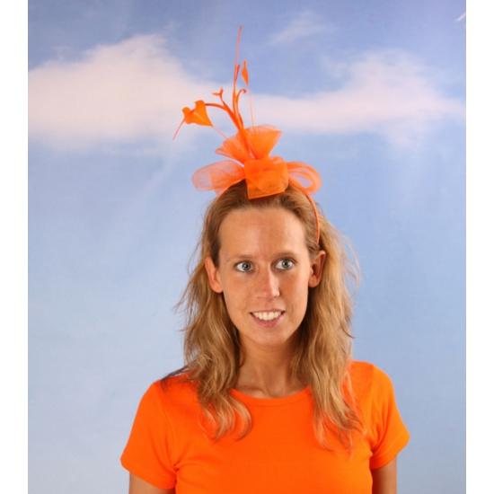 Tiara met oranje bloem
