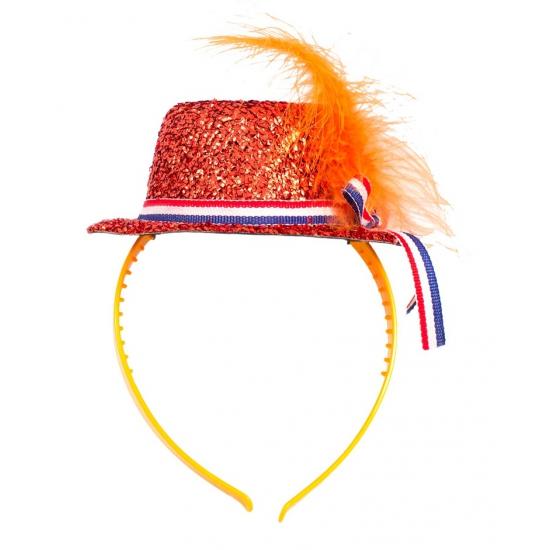 Tiara met oranje hoedje
