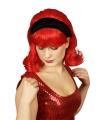 Jaren 60 pruik rood inclusief haarband